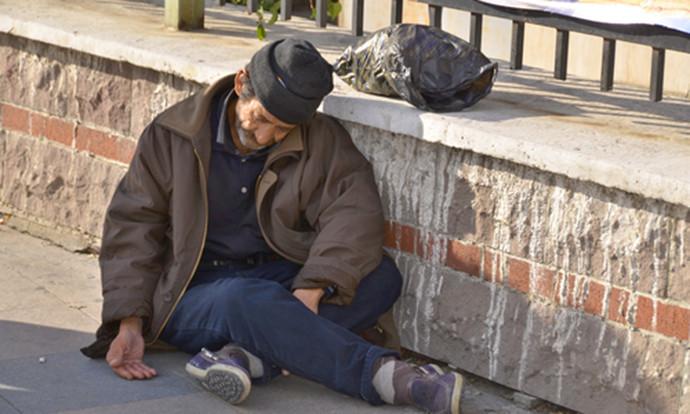 Починатиот бездомник претходно бил повикан да биде пренесен во пунктот во Момин Поток  но одбил