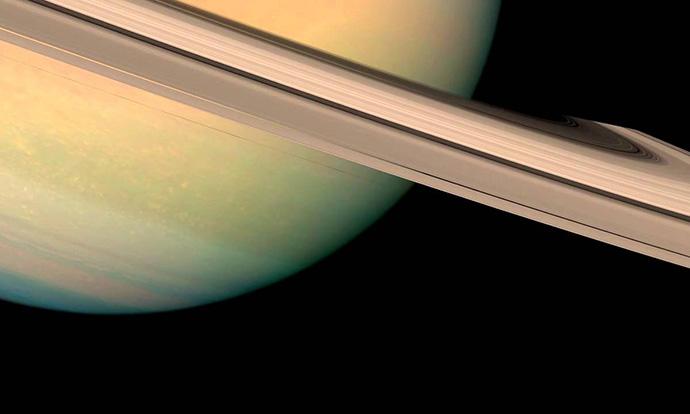 Фотографија од интересниот феномен во прстените на Сатурн