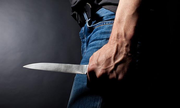 Скопјанец прободен со нож поради љубовна караница