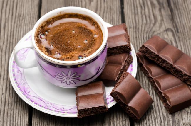 Што ќе се случи ако додадете чоколадо во утринското кафе