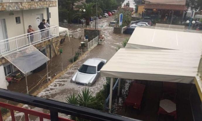 Поплава на Халкидики  се евакуираат туристи