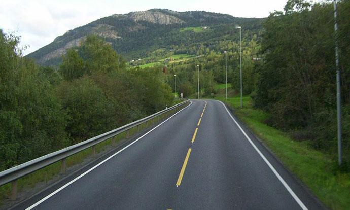 Отежнат сообраќајот надвор од градовите