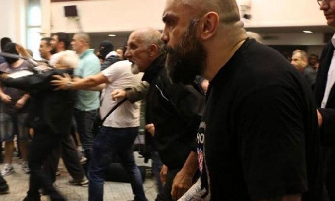 Уапсен Игор Југ  еден од напаѓачите во Собранието