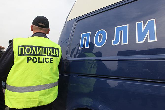 Две момчиња претепани во возило на паркинг во Скопје