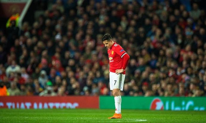 Навивачите на Манчестер Јунајтед незадоволни од Алексис Санчез
