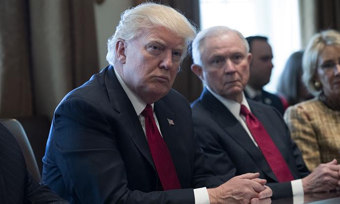 Трамп ќе бара смртна казна за дилерите на дрога