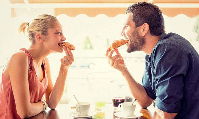Луѓето во врска полесно се дебелеат