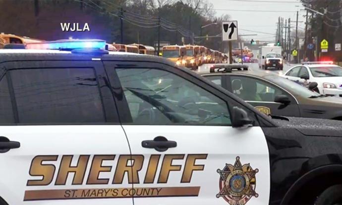 Ужасот во САД продолжува  Тинејџер пукаше во средно училиште  тројца повредени