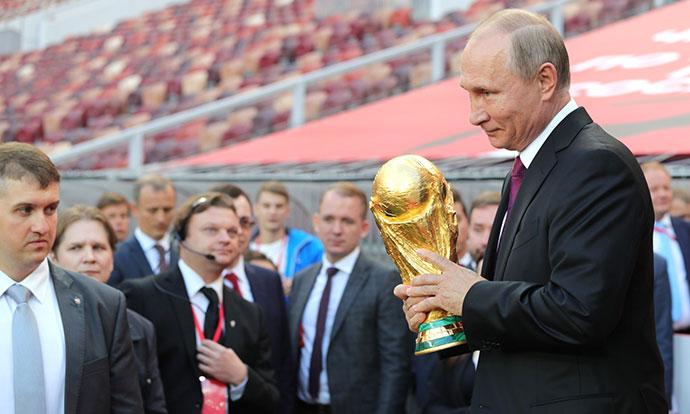 Борис Џонсон го спореди СП во Русија со Олимпијадата на Хитлер