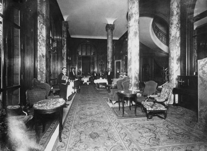 mebel-od-pariskiot-hotel-ric-prodaden-za-rekordni-7-3-milioni-evra