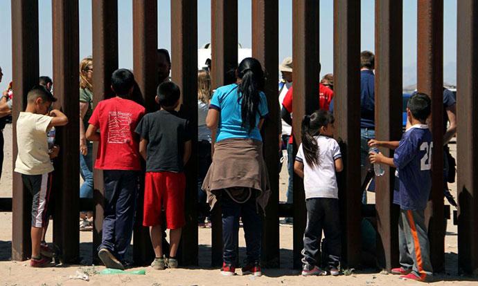 САД вратија 57 деца одземени од илегални имигранти