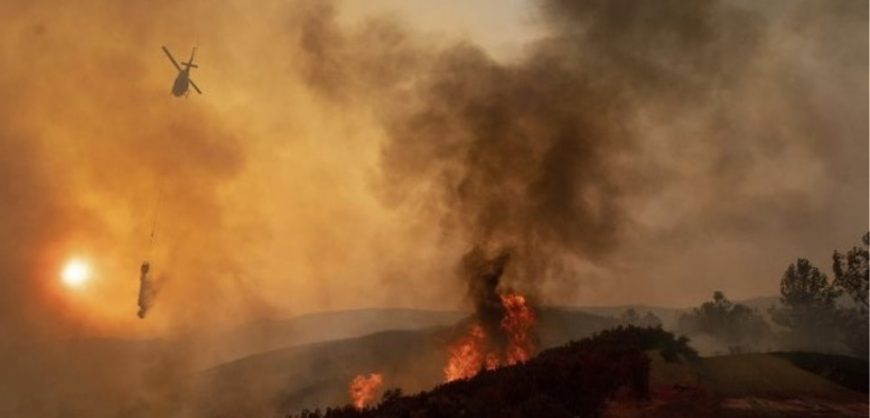 Пожари на грчките острови Закинтос и Андрос