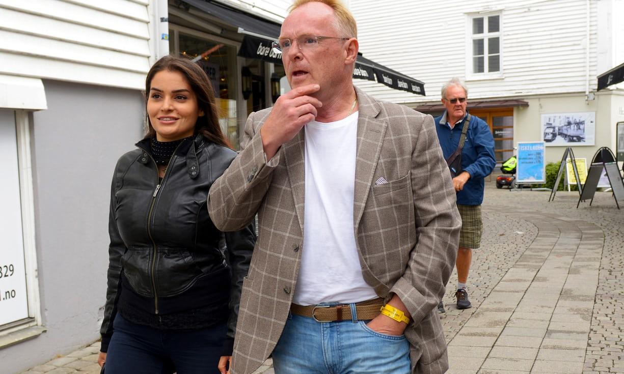Норвешки министер поднесе оставка поради носење службен телефон на одмор