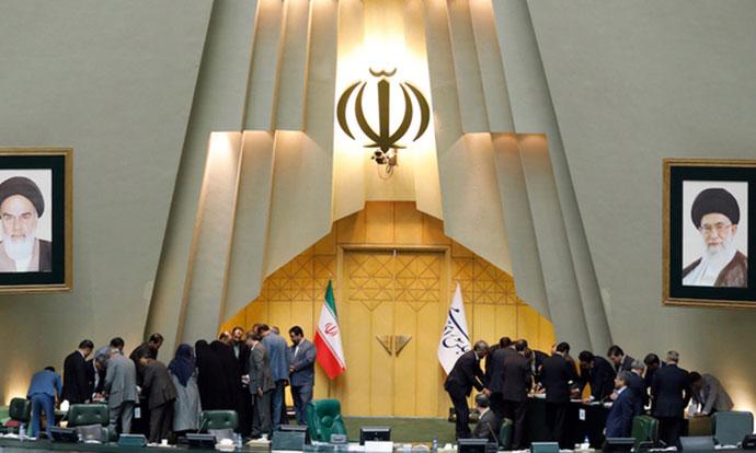 Во Иран обесени деветмина мажи поради силување жена