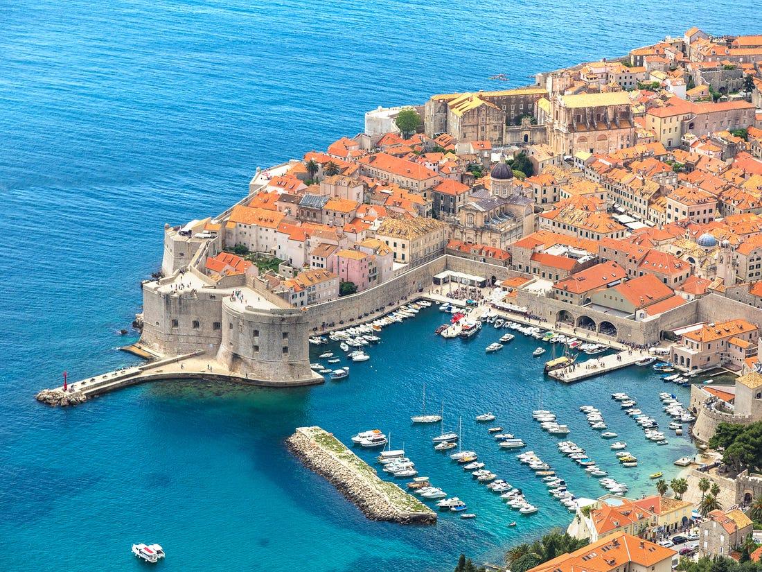 Најубавите светски дестинации кои се преплавени од туристи