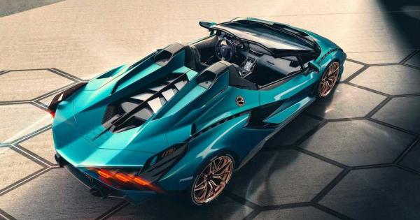 Lamborghini го претстави најмоќниот модел досега