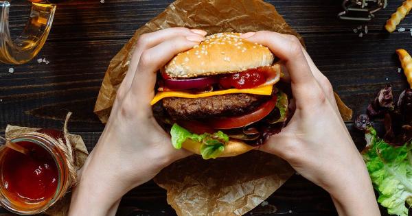 Што се случува во телото кога јадете брза храна?