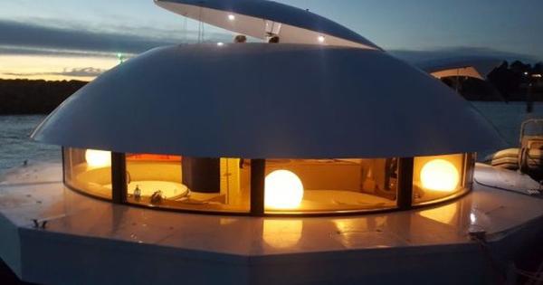 Anthenea, првиот пловен луксузен еко-хотел на соларна енергија