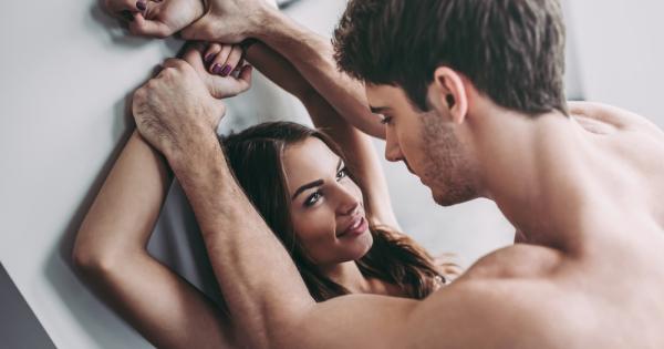 Пет најчести лаги кои жените ги кажуваат за сексот