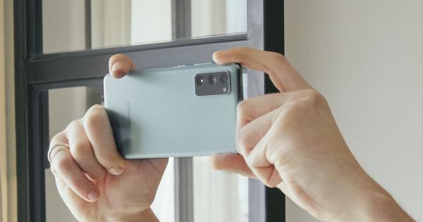 Samsung го претстави новиот Galaxy S20 Fan Edition