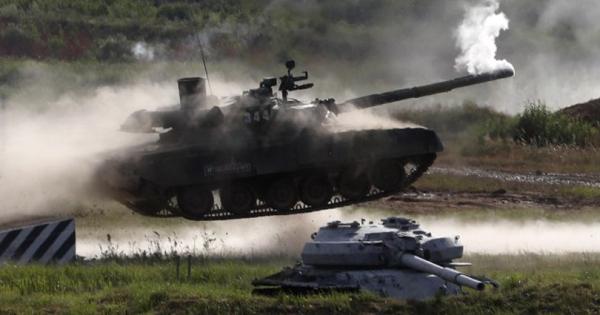 Какви тенкови им прати Русија на Србите?