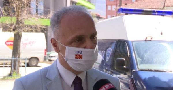 Димоски: Полицијата интервенираше во Вевчани за да спречи поголемо групирање