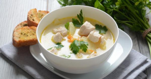 Идеален оброк за студените денови: Пилешка чорба