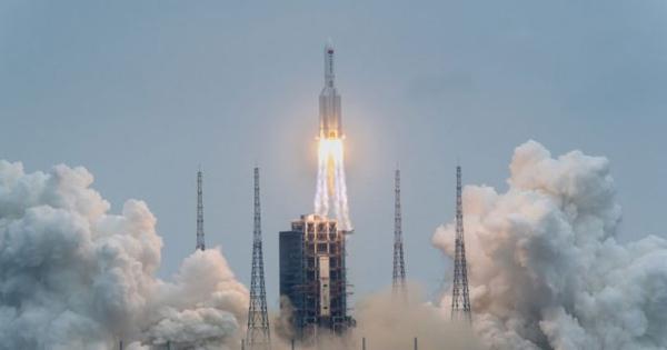 Кинеска ракета паѓа назад на Земјата, не се знае каде ќе заврши