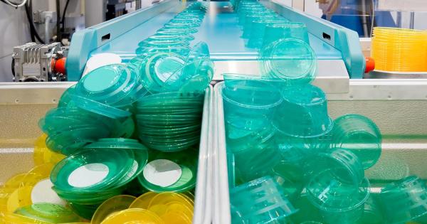 Благ пад на производството на пластика поради пандемијата