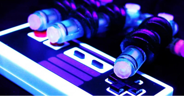 Роботска рака од 3D принтер растура на Super Mario Bros
