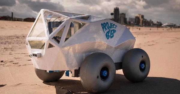 Луѓето загадуваат, а паметен робот ќе им ги чисти плажите од отпушоци