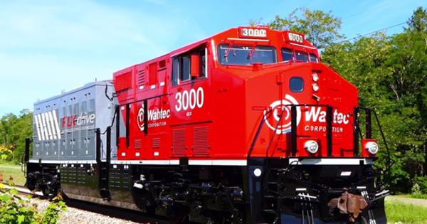 Wabtec ја претстави првата електрична локомотива со батерии