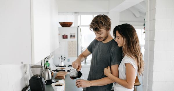 Кое е најдоброто време во денот да го испиете првото кафе?